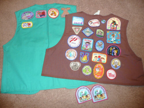 GIRL SCOUT & BROWNIE VEST W/ 60+ PATCHES & PINS
