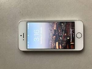 IPHONE 5S SILVER - GREAT CONDITION! - selling for upgrade Buderim Maroochydore Area Preview