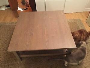 table de salon valeur 130$