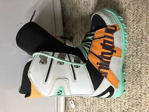 Snowboard Boots: Size 8.5 Thirty-Two