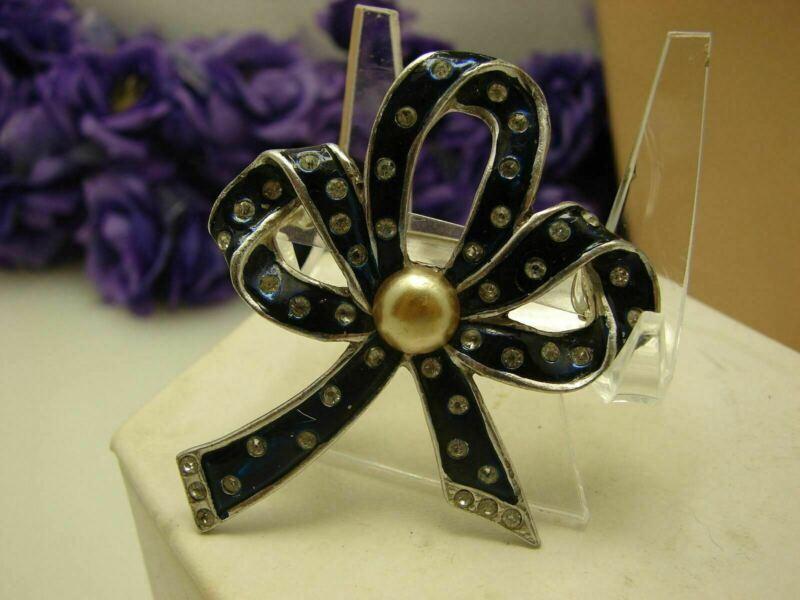 Vintage Dark Blue Enamel Clear Rhinestone Rhodium Plated Bow Brooch