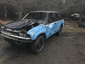 2000 blazer race truck   Sell for $400 or trade