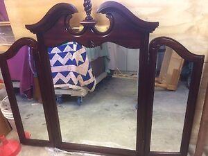 Magnifique triple miroir 225$