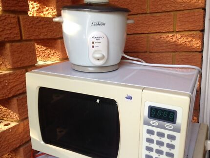 microwave and rice cooker