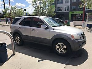 MINT 2003 Kia Sorento loaded Awd with leather