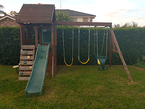 Great solid wooden cubby house Quakers Hill Blacktown Area Preview