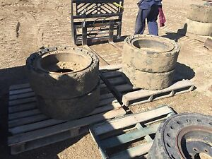 Solid rubber demolition tires