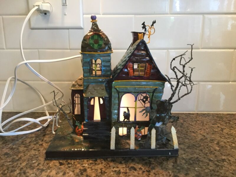 Lighted Spookhouse By House of Lloyd
