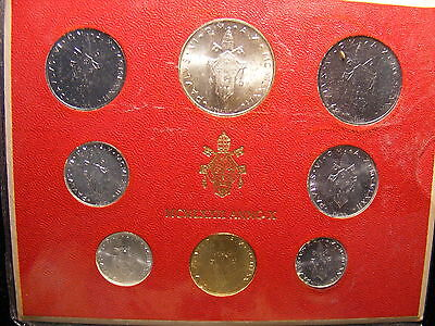 VATICAN 1972 MINT SET - WITH SILVER 500 LIRA - 8 COINS