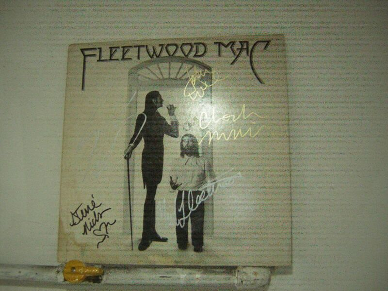 Fleetwood Mac Signed LP Self Titled 1975 By 5 Members Of The Band