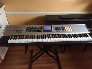 roland 88 key keyboard ebay. Black Bedroom Furniture Sets. Home Design Ideas