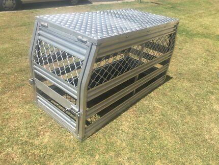 Ute dog box, dog crate, dog cage