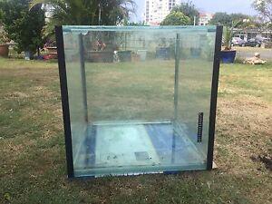 68cm square fish tank Golden Beach Caloundra Area Preview