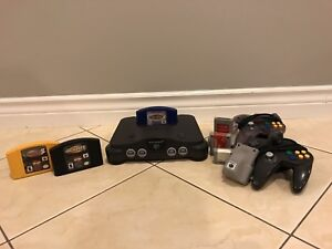 Nintendo 64 with 3 Games, 2 controllers and extras
