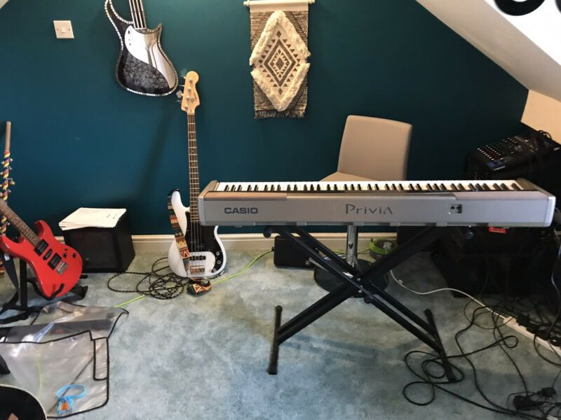 Casio Privia PX-100 Digital Piano With Weighted Keys