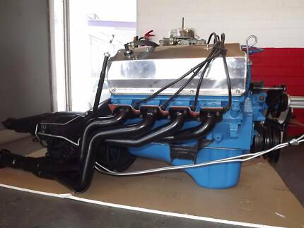 FORD 351 CLEVLAND V8 & GEARBOX