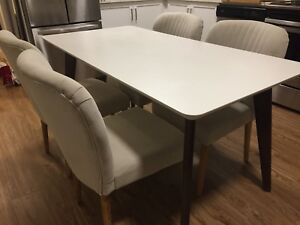 Dinning table and chairs pick up ASAP
