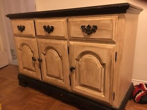 French provincial chic side board / buffet / hutch / server