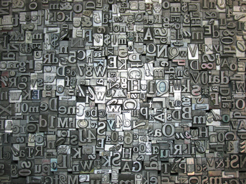 LOT OF 200 VINTAGE METAL LETTERPRESS PRINT TYPE BLOCKS ALPHABET LETTERS NUMBERS