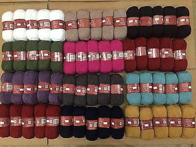 HUGE LOT!!! COMPARABLE TO ENCORE 60 BALLS OF WOOL BLEND KNITTING YARN