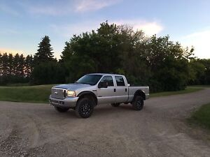 2006 F350 ONLY 165,000KMS