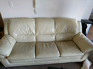 FREE Genuine Leather Couch Hornsby Hornsby Area Preview