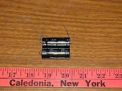 Nippon Capacitors Alum. Electrolytic. 2200uf 25v Lot Of 2 1490303-343