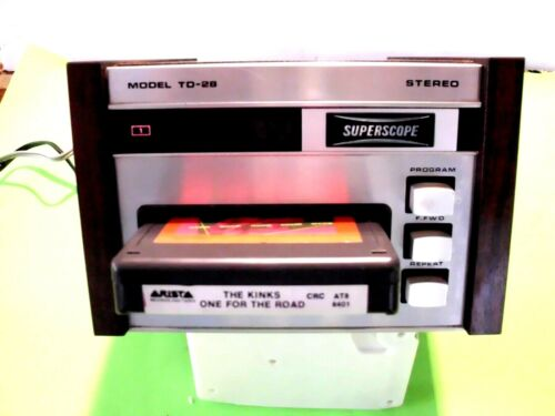 8 TRACK PLAYER SUPERSCOPE TD-28 AMAZING CONDITION  TECH SERVICED  W/ BOX