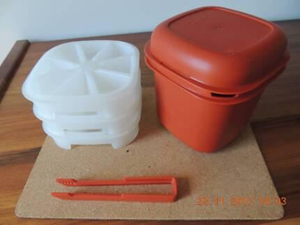 Tupperware set - Ice bucket, 3 ice trays