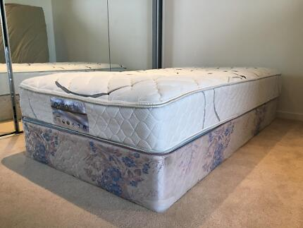 King Single Size Mattress Bed + Base Almost NEW CHIROREST