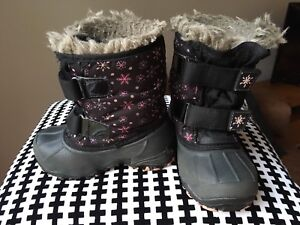 Bottes Acton taille 8 size winter boots