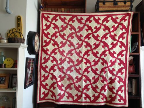 Vintage Drunkards Path Quilt - Red White - Tiny Stitches