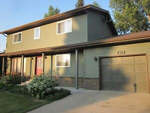 Large Updated Family Home in Outlook