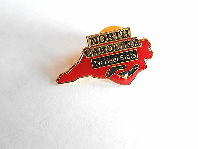 Cool Vintage North Caroline The Tar Heel State Souvenir Lapel Pin Pinback