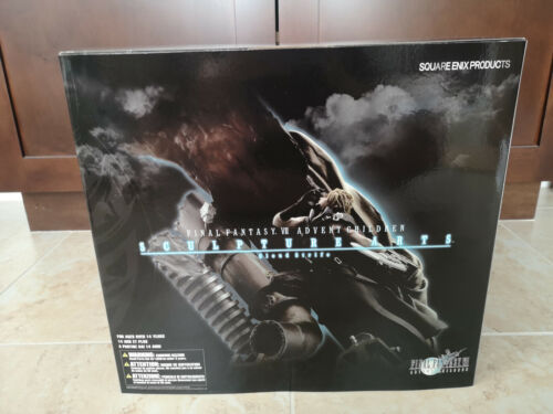 Square Enix Final Fantasy VII: Advent Children Cloud Strife Statue