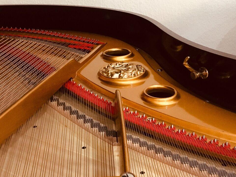 Für Sie da - Klaviersalon Berlin • Klaviere & Flügel mit Garantie in Berlin