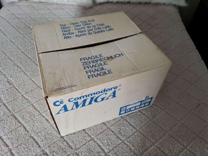 Commodore amiga 2000 original box only - RARE