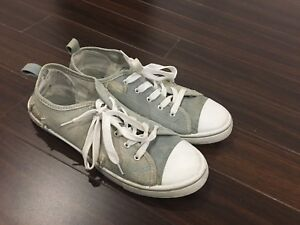 Converse style sneakers Size 10 (Worn 2 times at concerts)