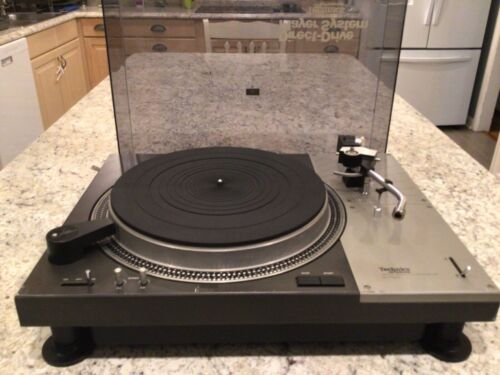 Vintage Technics SL-1100A Turntable in Good Condition