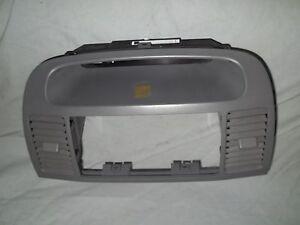 2002 2006 toyota camry dash stereo trim bezel clock housing grey factory ebay. Black Bedroom Furniture Sets. Home Design Ideas
