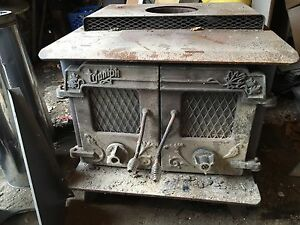 Triumph wood stove with pipe