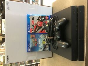 PS4 System 500 gig 2 Games