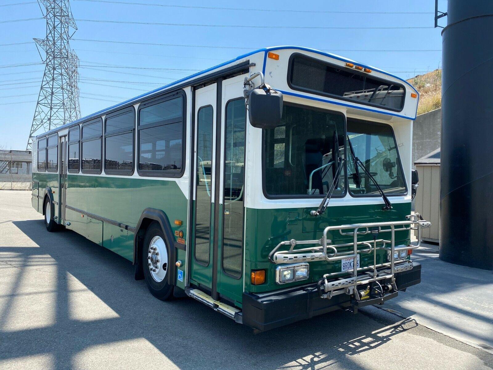 2007 Gillig Phantom 40 foot suburban transit bus - Cummins ISL/Allison B400R