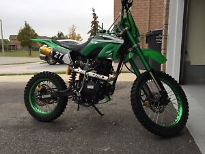 Brand new 200cc dirt bike with led under glow light