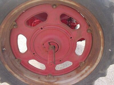 International 230 Tractor Factory Original Rear Cast Center Wheel Hubs 351244r2