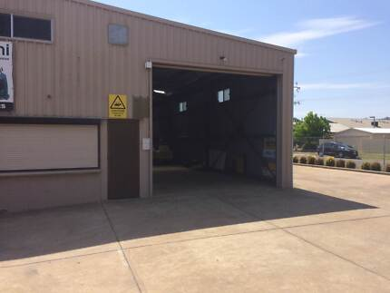 office space and part of warehouse floor  for rent Para Hills West Salisbury Area Preview