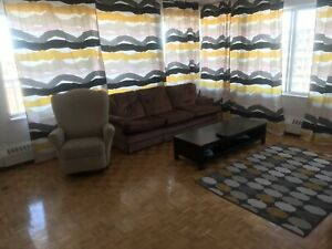 2019 summer sublease apartment 51/2 in Laval