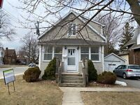 STUDENTS! GREAT 4 BED IN PRIME LOCATION - 128 MacDonnell