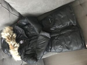 **LIMITED EDITION** CANADA GOOSE WOMENS JACKET