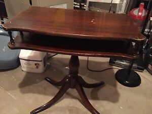 Vintage Side/hallway table 2 tiers
